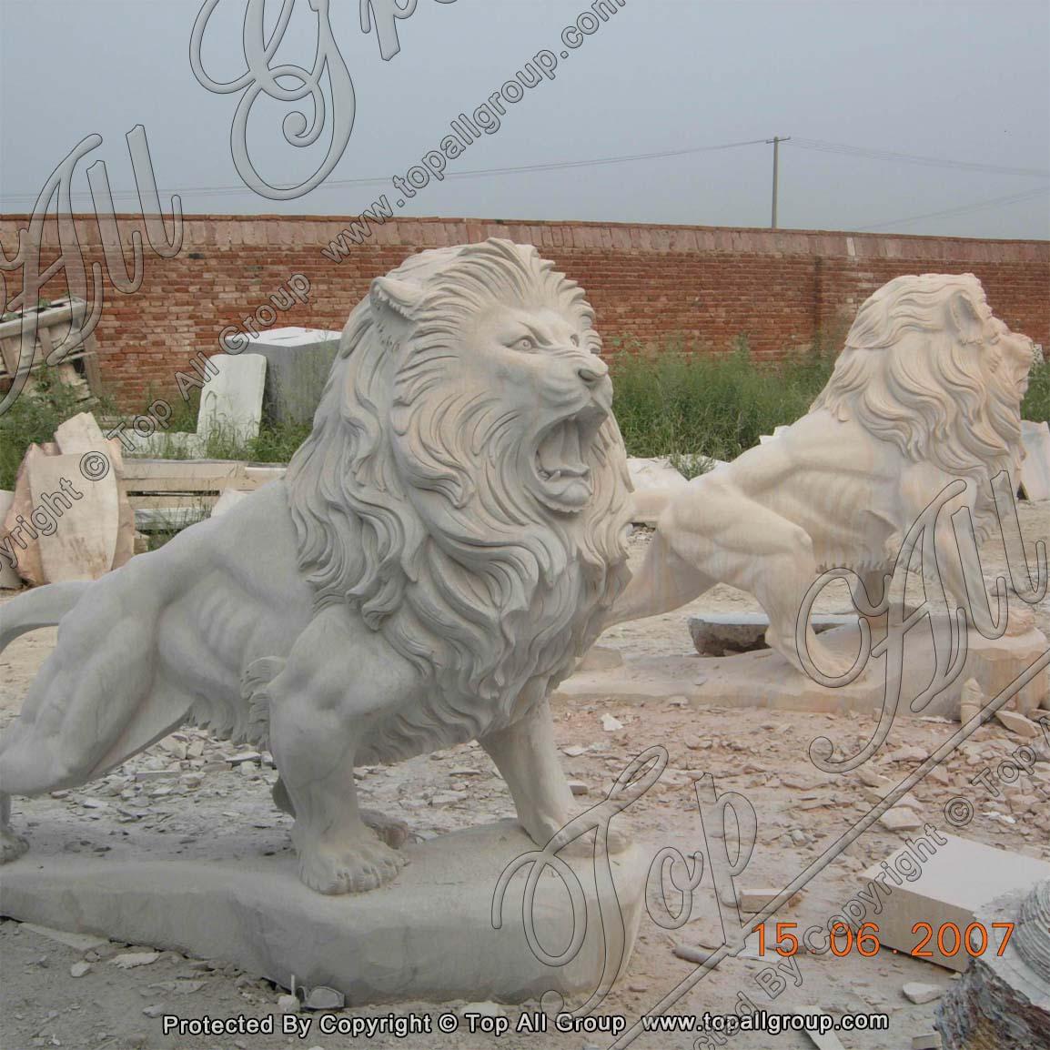 Outdoor garden white marble lion statue